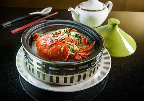 螃蟹能和芹菜一起吃吗