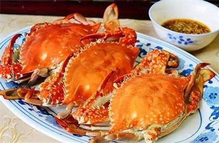 青蟹桔子能一起吃吗 吃完海鲜吃橘子会产生砒霜吗